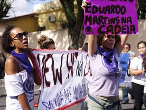 Mulheres fizeram protesto em Ruy Barbosa, na Bahia (Foto: Maíra Guedes/ Marcha Mundial das Mulheres)