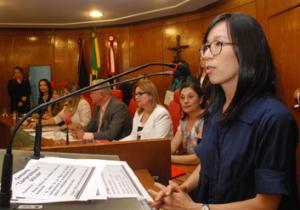 Aline Yamamoto na Câmara de Vereadores de JP (Foto: Olenildo Nascimento-Ascom/CMJP)