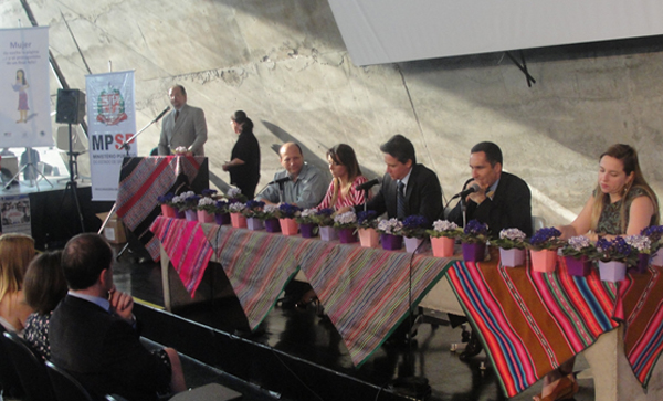 Versão em espanhol da cartilha do MPSP informará imigrantes sobre direitos assegurados pela Lei Maria da Penha (Fotos: Géssica Brandino)