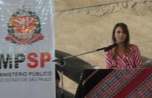 Coordenadora do Gevid reforça compromisso no enfrentamento à violência contra as mulheres imigrantes (Foto: Géssica Brandino)