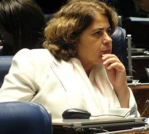 A Secretária de Enfrentamento à Violência da SPM, Aparecida Gonçalves no evento de adesão. (Foto: Débora Prado)