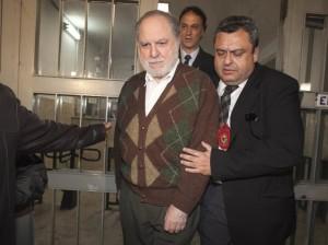 Pimenta Neves é preso 11 anos após o crime (Foto: Leonardo Soares/AE)