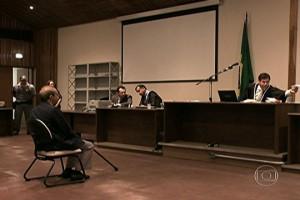 Após cinco adiamentos, Farah volta ao banco dos réus e é novamente condenado (Imagem TV Globo)