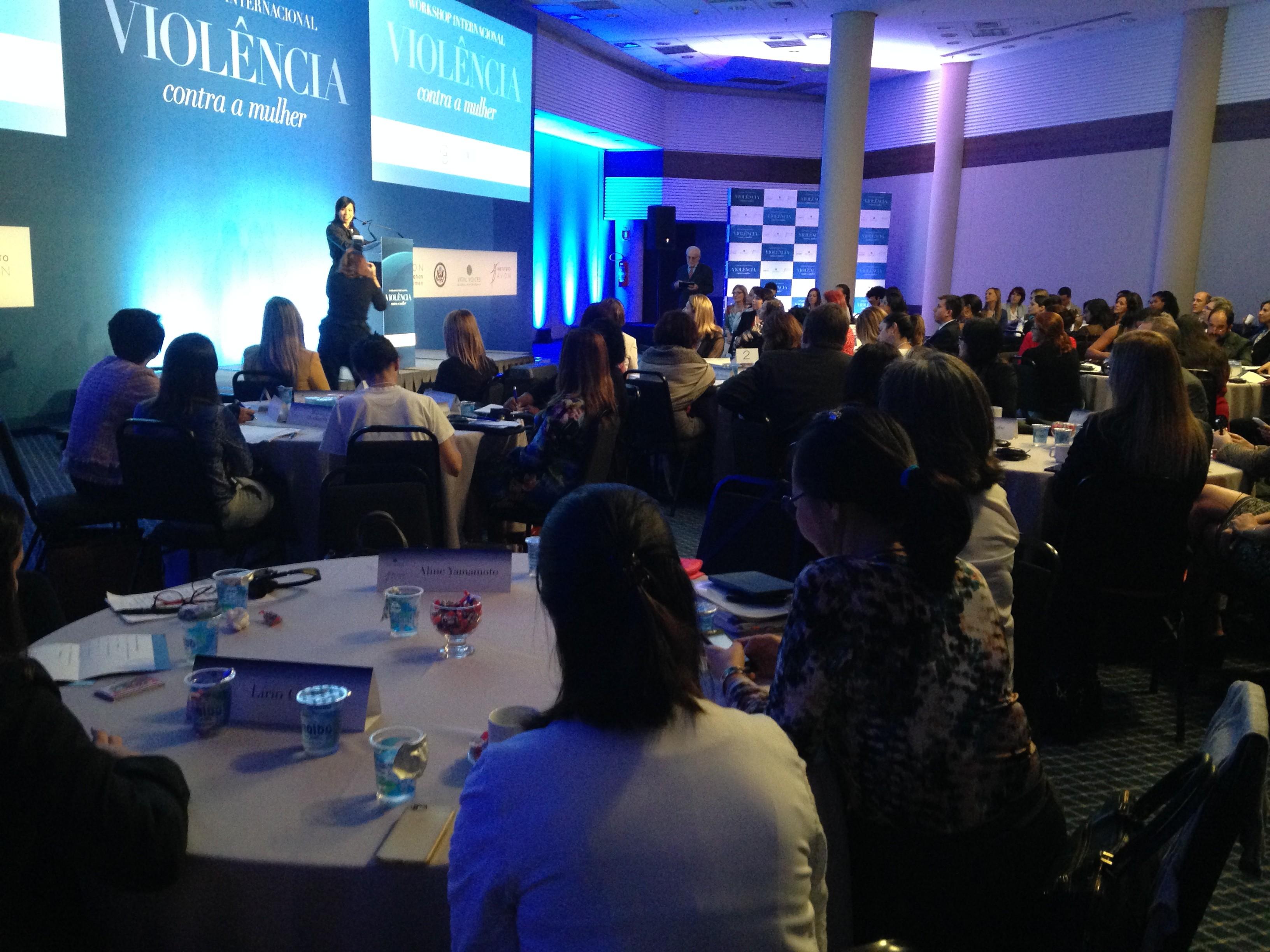 abertura do workshop internacional sobre violencia contra as mulheres - Aline Yamamoto