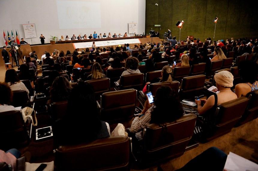 Abertura do seminário Mulheres no Poder: Diálogos sobre Empoderamento Político, Econômico e Social e Enfrentamento à Violência, no Auditório Petrônio Portella, do Senado (Foto: Pedro França/Agência Senado)